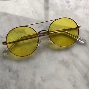 Yellow Tinted Sunnies!
